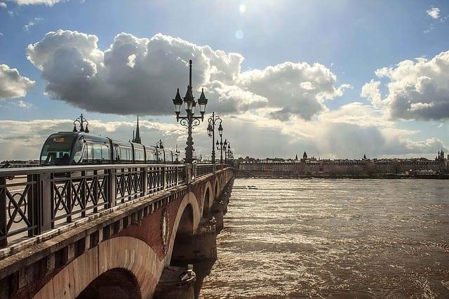 El río Garona en Burdeos