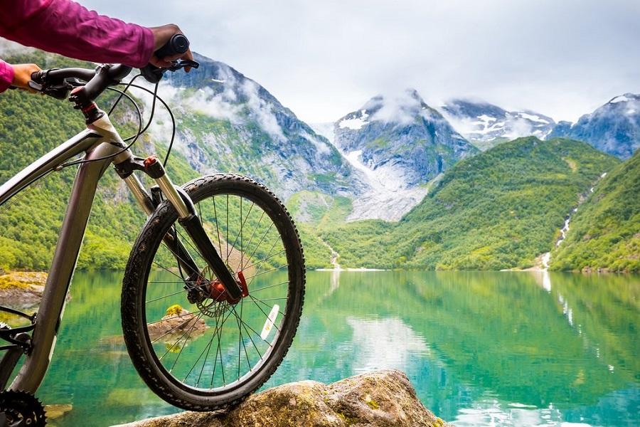 Bici en lago